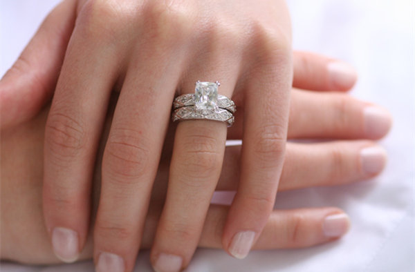 nhẫn đính hôn 1
